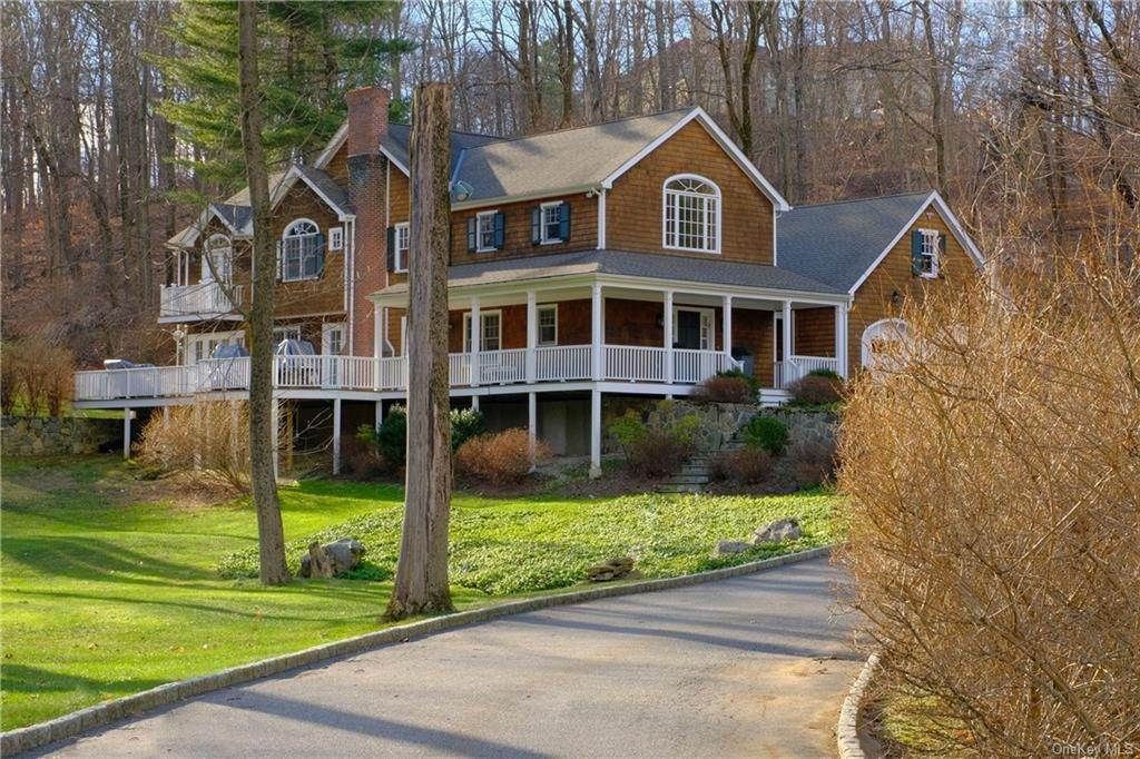 Single Family Home for Sale at 14 Leroy Place Chappaqua, New York, 10514 United States