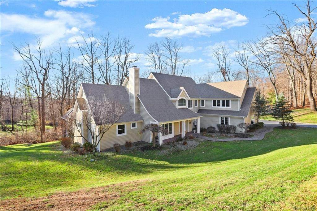 Single Family Home for Sale at 15 Overlook Drive Bedford Corners, New York, 10549 United States