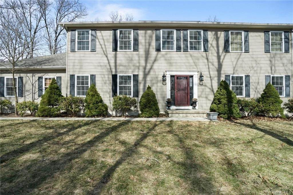 Single Family Home for Sale at 19 Coleman Drive Campbell Hall, New York, 10916 United States