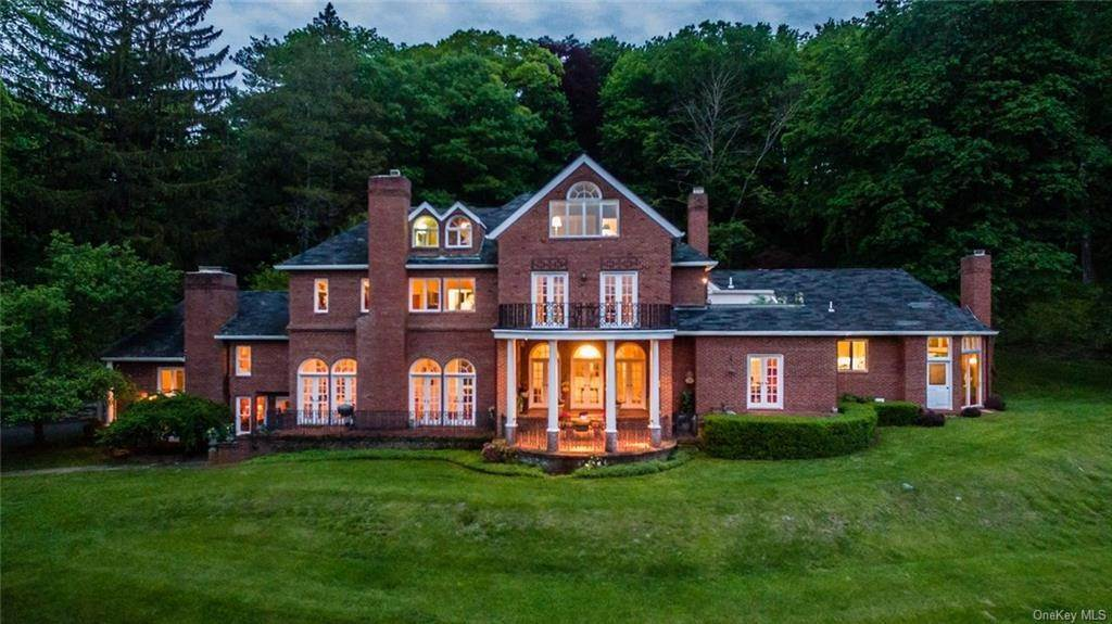 Single Family Home for Sale at 262 Tuxedo Road Tuxedo Park, New York, 10987 United States