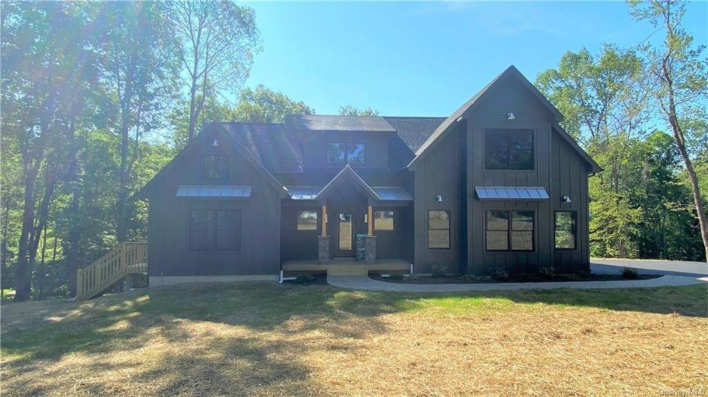 Single Family Home for Sale at 33 Fern Wood Way Montgomery, New York, 12549 United States