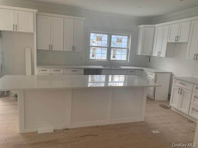 Single Family Home for Sale at 1 Kewanee Road New Rochelle, New York, 10804 United States