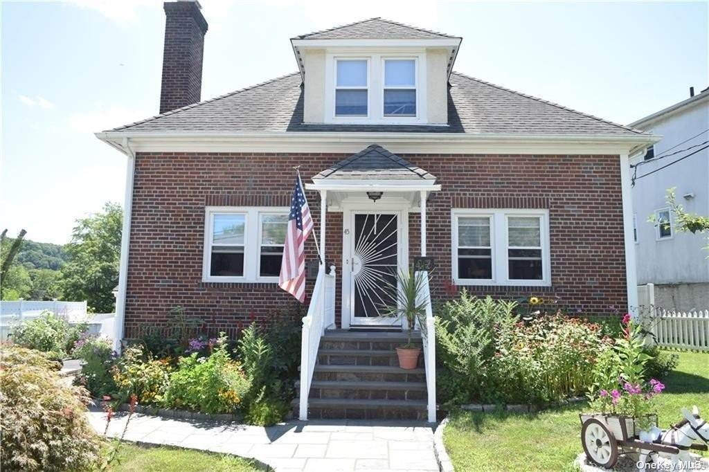 Single Family Home for Sale at 45 Garrigan Avenue Thornwood, New York, 10570 United States