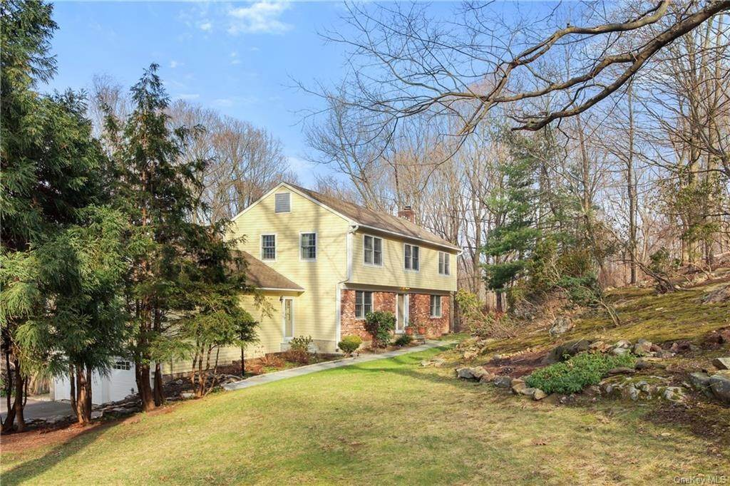 Single Family Home por un Venta en 16 Hillcrest Circle Chappaqua, Nueva York, 10514 Estados Unidos
