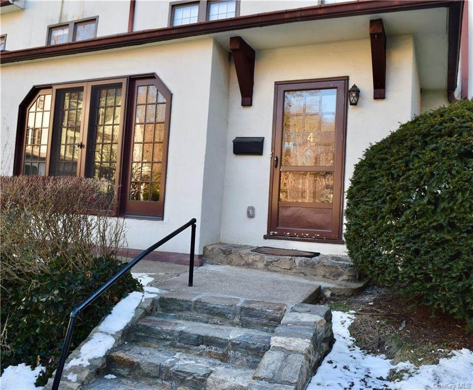 Rental Communities for Rent at 4 Prescott Square Bronxville, New York, 10708 United States