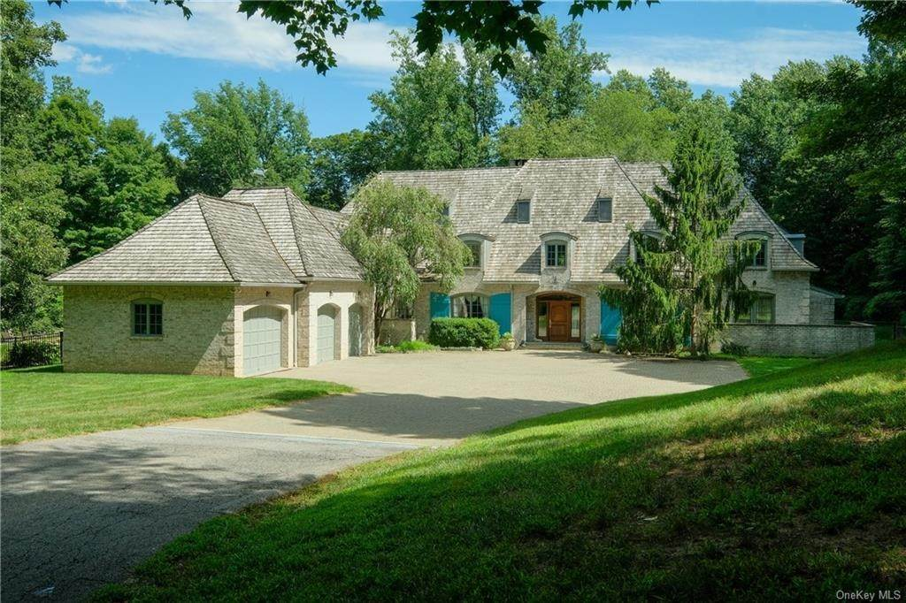 Single Family Home for Sale at 60 Haights Cross Road Chappaqua, New York, 10514 United States
