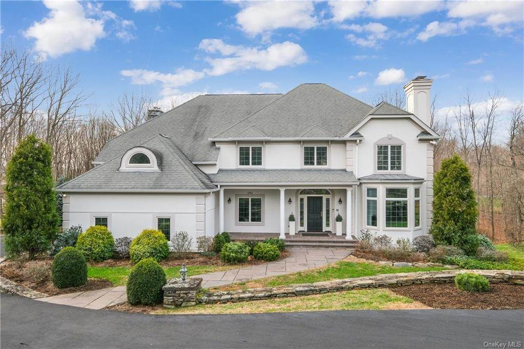 Single Family Home for Sale at 10 Hemlock Hollow Chappaqua, New York, 10514 United States