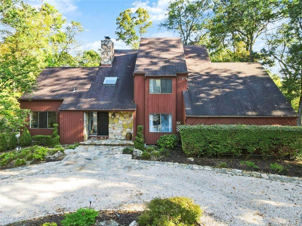 Single Family Home for Sale at 81 Quaker Hill Drive Croton On Hudson, New York, 10520 United States