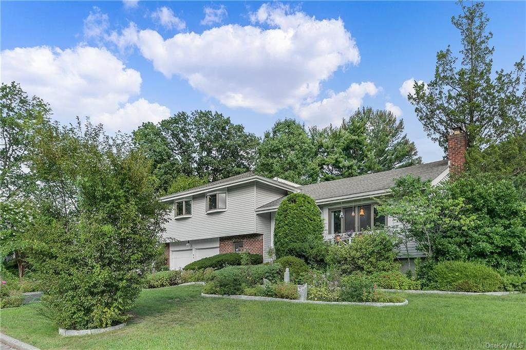 Single Family Home for Sale at 64 Gail Drive New Rochelle, New York, 10805 United States