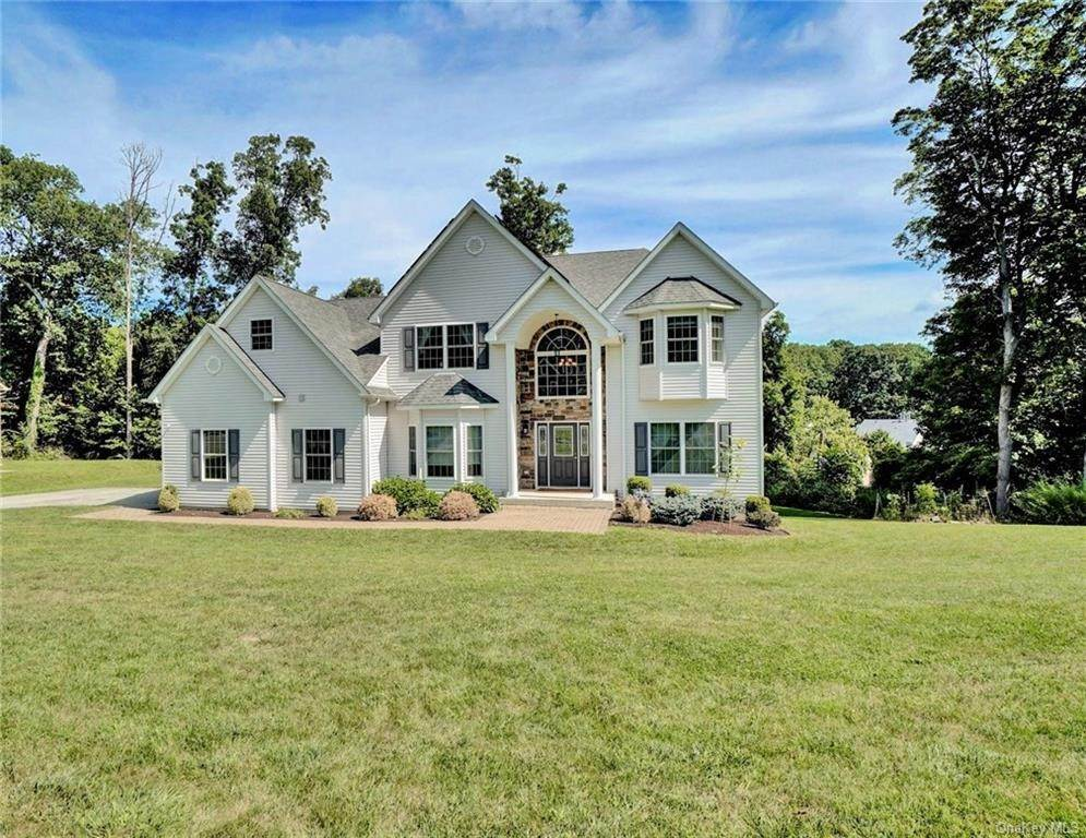 Single Family Home for Sale at 11 Sherwood Court Highland Mills, New York, 10930 United States