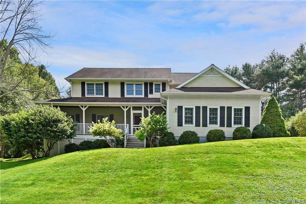 Single Family Home for Sale at 2 Bloomer Road North Salem, New York, 10560 United States