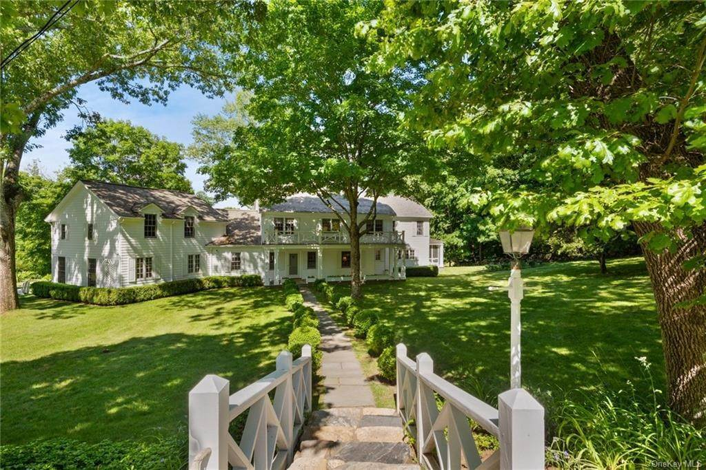 Single Family Home for Sale at 130 Hook Road Bedford, New York, 10506 United States