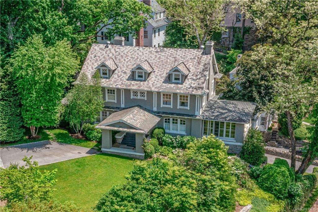 Single Family Home por un Venta en 2 Governors Road Bronxville, Nueva York, 10708 Estados Unidos