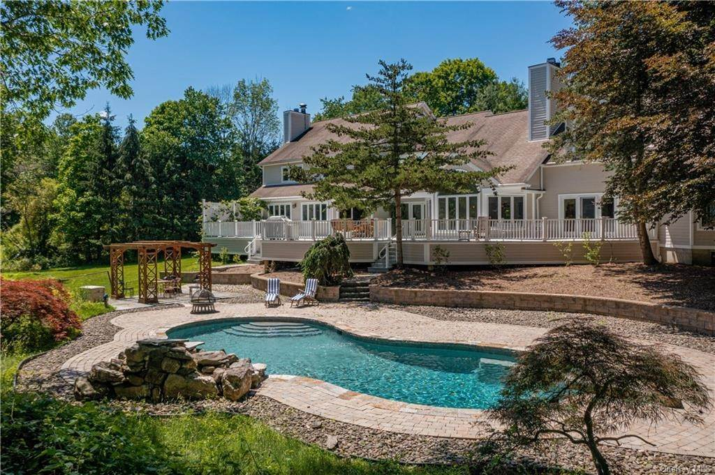 Single Family Home for Sale at 6 Lounsbery Road Mount Kisco, New York, 10549 United States