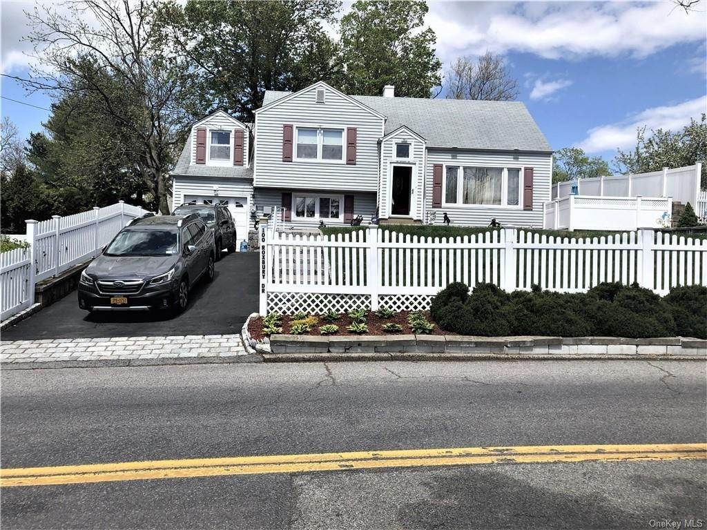 Single Family Home for Sale at 100 Roxbury Drive Yonkers, New York, 10710 United States