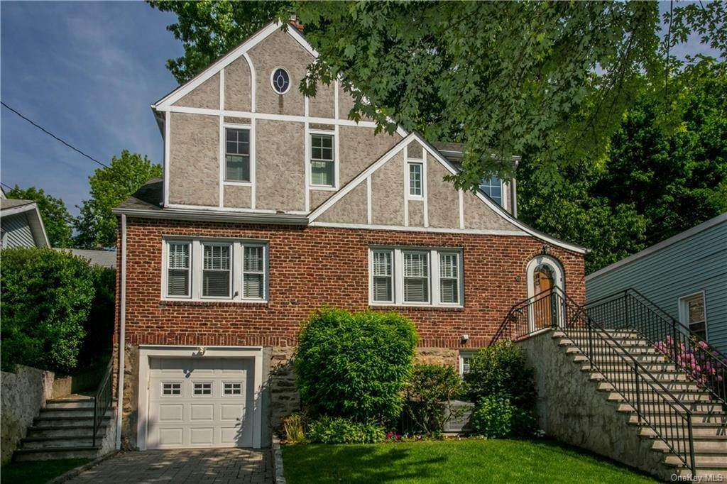 Single Family Home for Sale at 52 Sherwood Drive Larchmont, New York, 10538 United States