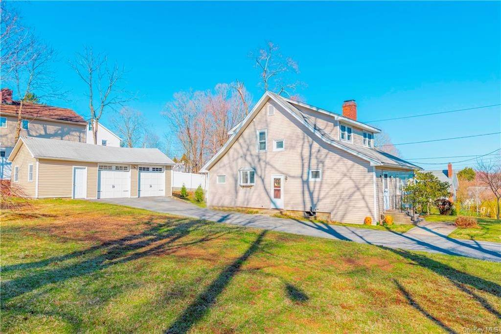 Single Family Home for Sale at 25 North Street Bedford Hills, New York, 10507 United States