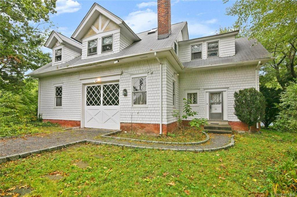 Single Family Home for Sale at 39 Potters Lane New Rochelle, New York, 10805 United States