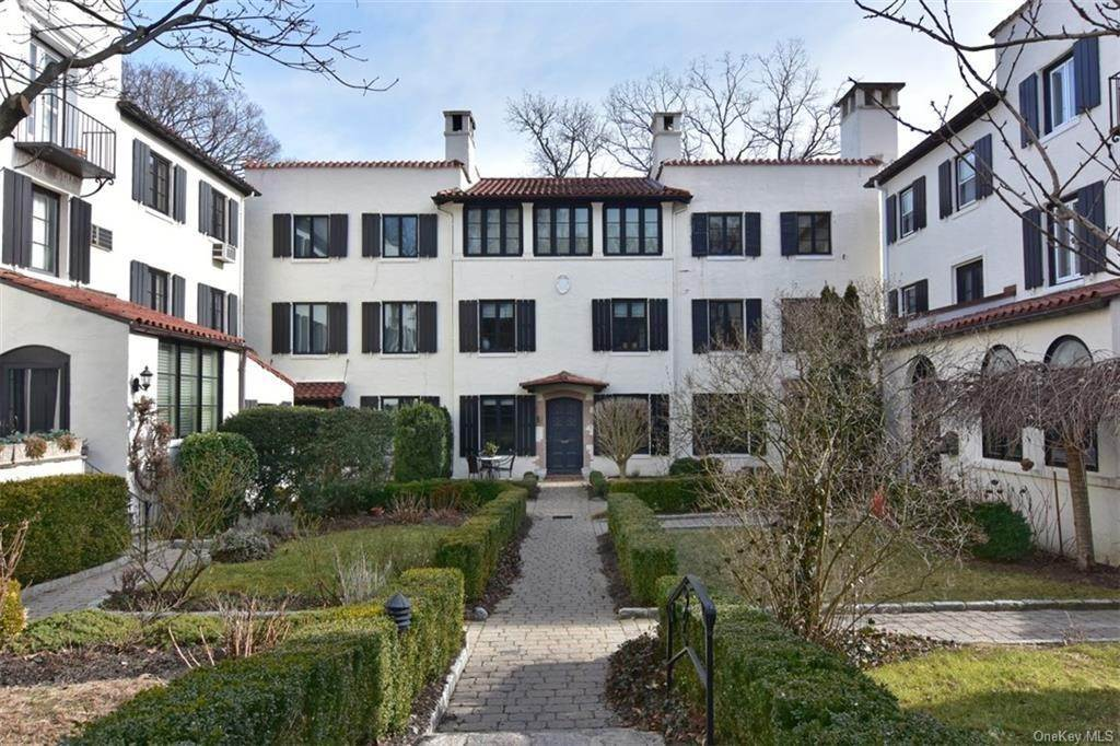Single Family Home for Sale at 5 Park Avenue Terrace Bronxville, New York, 10708 United States