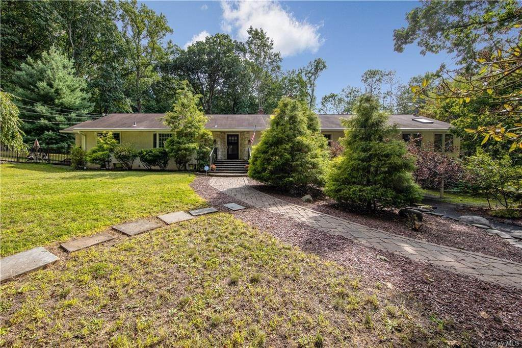 Single Family Home for Sale at 137 Van Houten Fields West Nyack, New York, 10994 United States