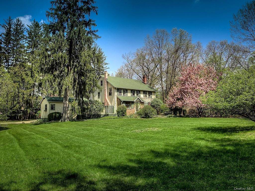 Single Family Home for Sale at 227 Old Mill Road Valley Cottage, New York, 10989 United States