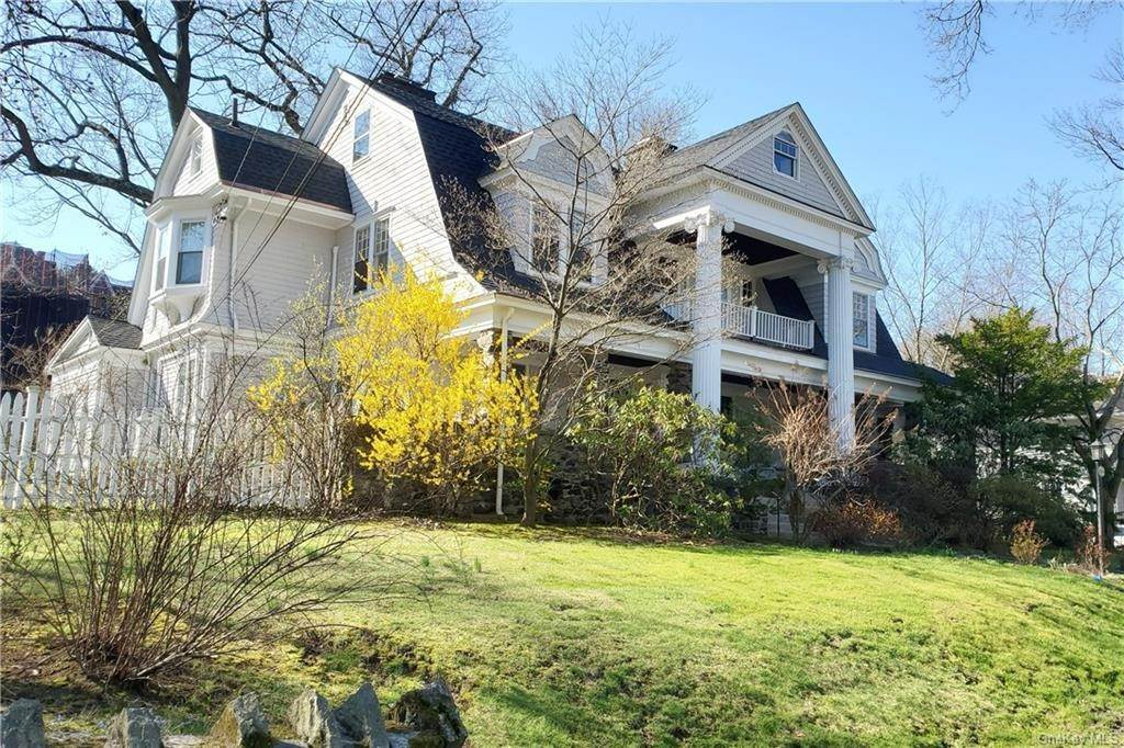 Single Family Home for Sale at 604 Monterey Avenue Pelham, New York, 10803 United States