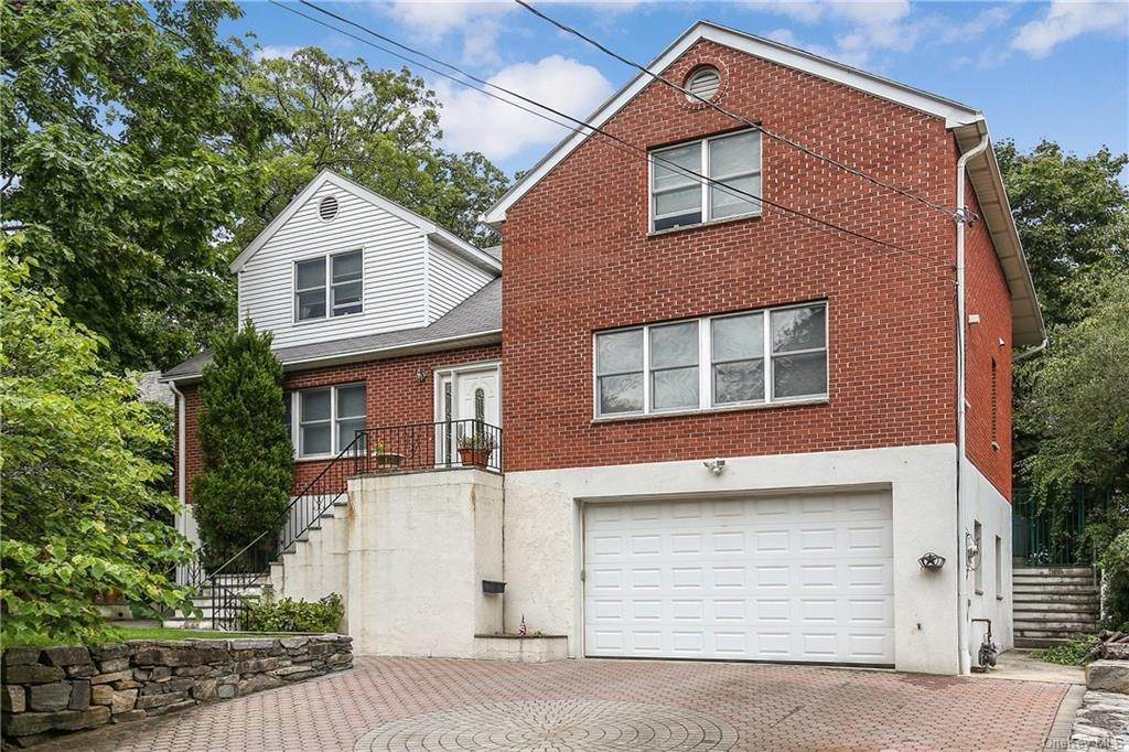 Single Family Home for Sale at 104 Bobolink Road Yonkers, New York, 10701 United States