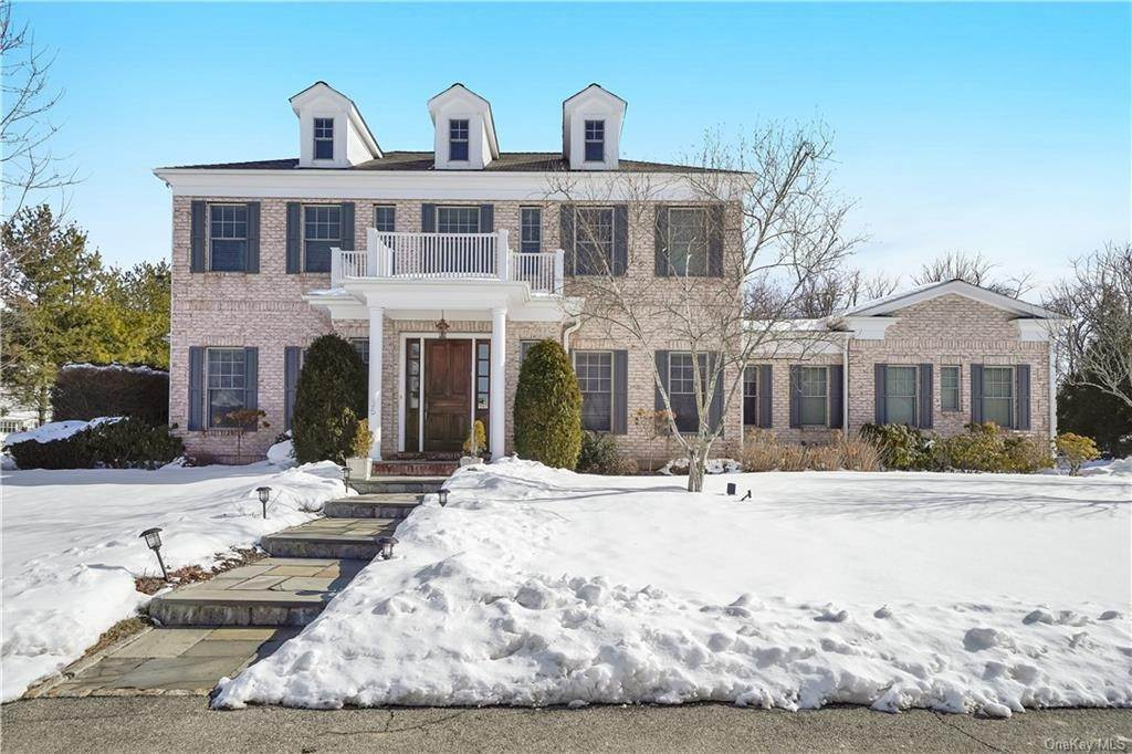 Single Family Home for Sale at 35 Cherry Lawn Boulevard New Rochelle, New York, 10804 United States