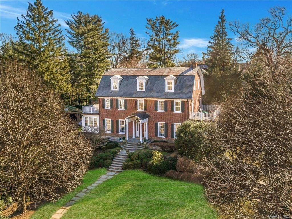 Single Family Home por un Venta en 28 Avon Road Bronxville, Nueva York, 10708 Estados Unidos