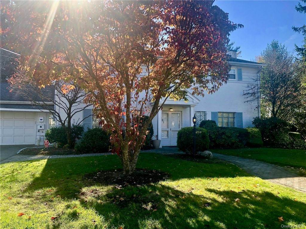 Rental Communities for Rent at 251 Wyndcliff Road Scarsdale, New York, 10583 United States
