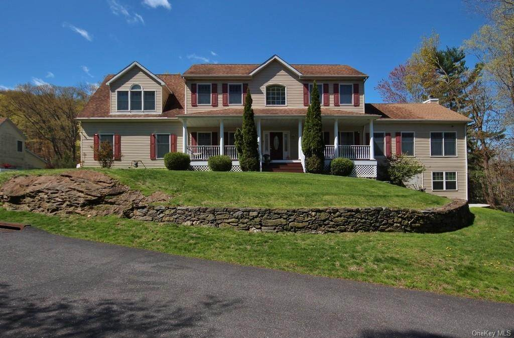 Single Family Home для того Продажа на 1774 Pleasantville Road Briarcliff Manor, Нью-Йорк, 10510 Соединенные Штаты