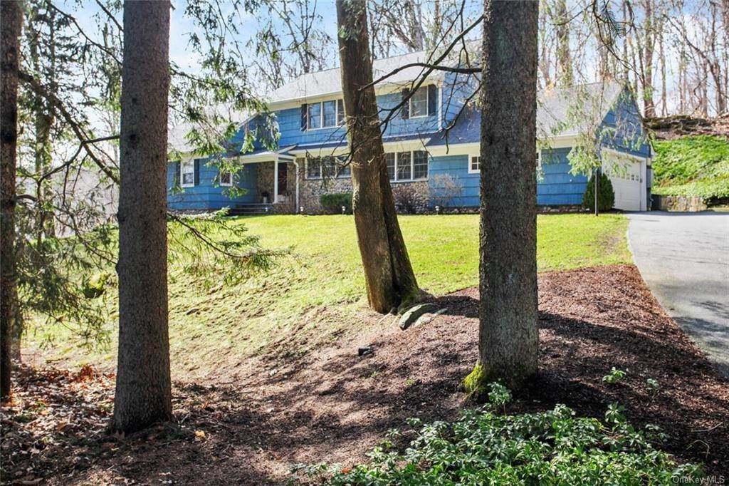 Single Family Home for Sale at 67 Windmill Road Armonk, New York, 10504 United States