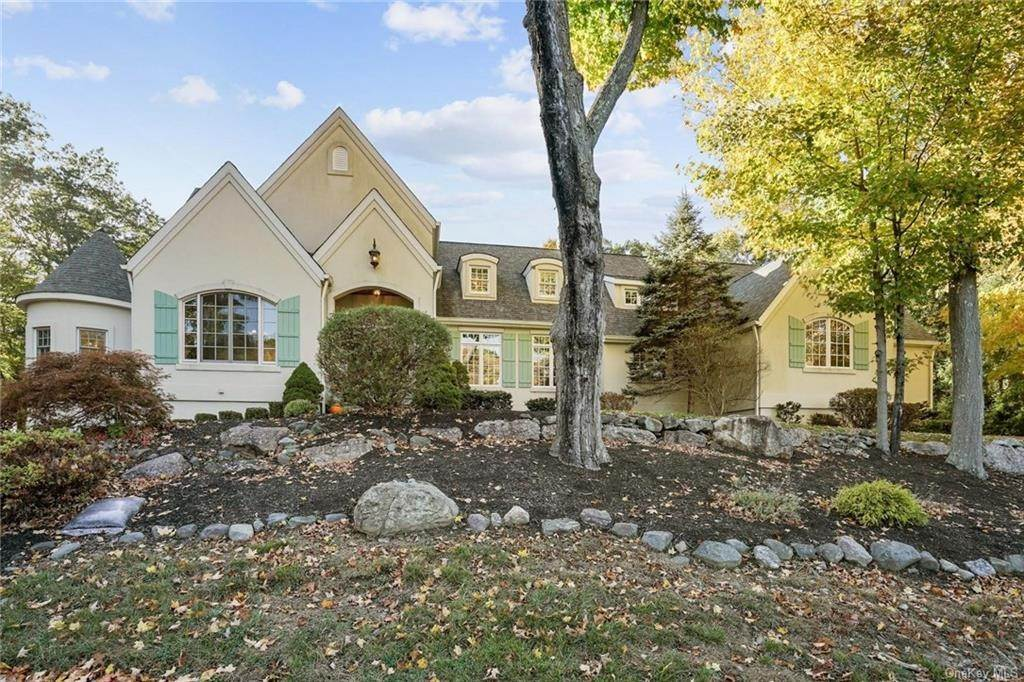 Single Family Home for Sale at 10 Greenwich Avenue Central Valley, New York, 10917 United States