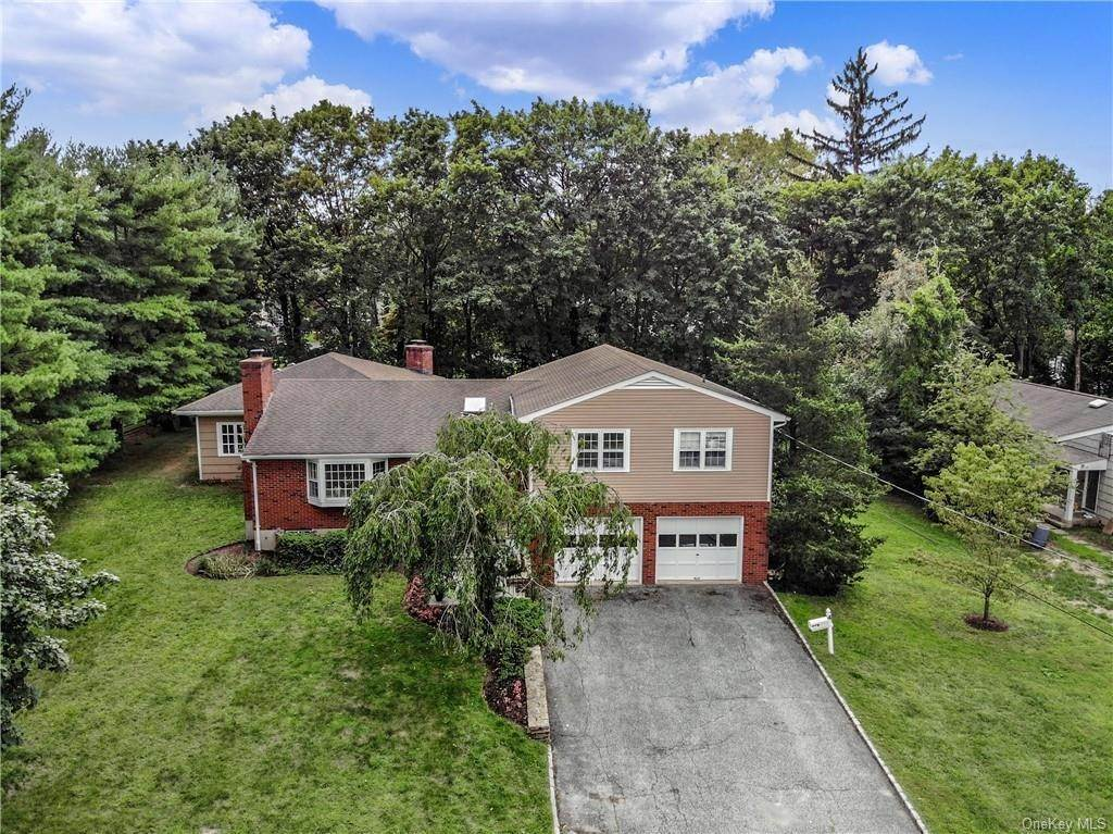 Single Family Home for Sale at 4 Loch Lane Rye Brook, New York, 10573 United States