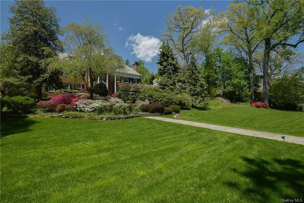 Single Family Home for Sale at 3 Beechwood Road Bronxville, New York, 10708 United States