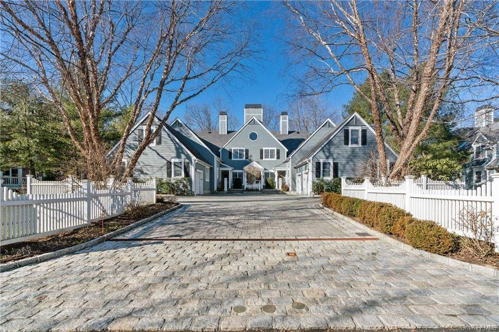 Single Family Home for Sale at 44 Wyndham Close White Plains, New York, 10605 United States