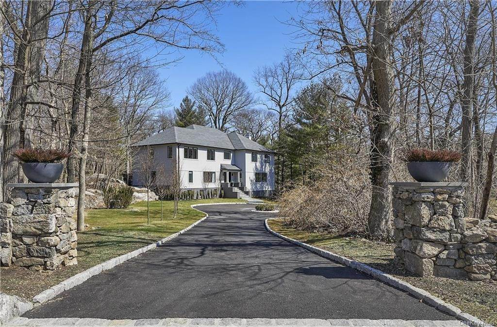Single Family Home pour l Vente à 7 Archer Road Harrison, New York, 10528 États-Unis
