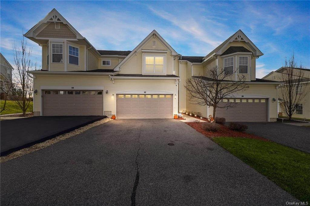 Single Family Home for Sale at 16 Cobblestone Lane Middletown, New York, 10940 United States