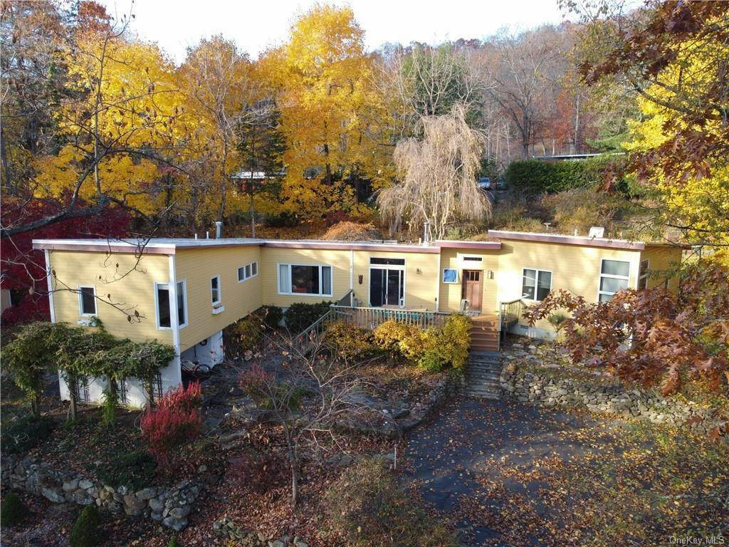 Single Family Home for Sale at 251 S Mountain Road New City, New York, 10956 United States