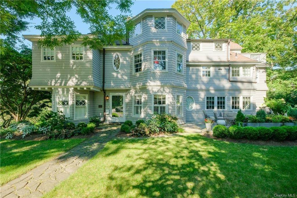 Single Family Home for Sale at 29 Valley Road Bronxville, New York, 10708 United States