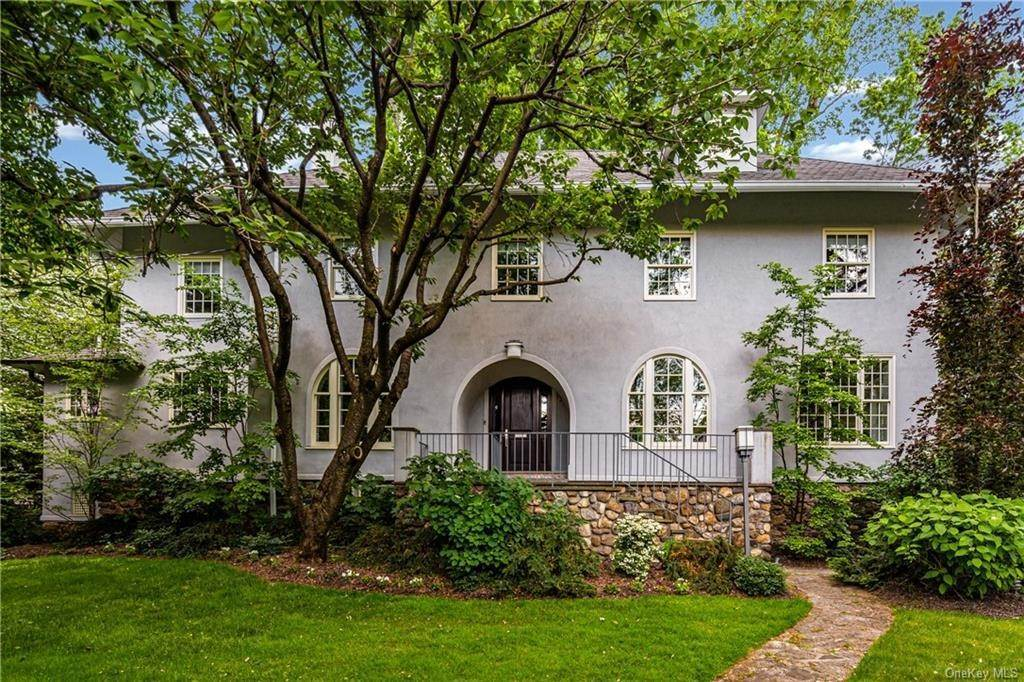 Single Family Home for Sale at 1 Woodland Avenue Bronxville, New York, 10708 United States