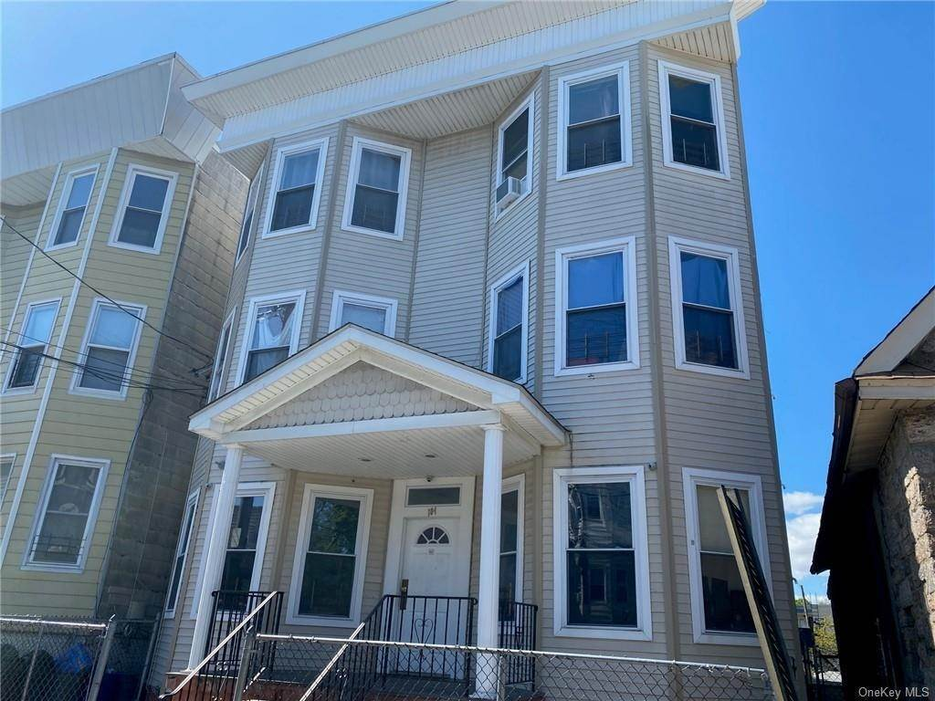 Single Family Home for Sale at 104 Oliver Avenue Yonkers, New York, 10701 United States