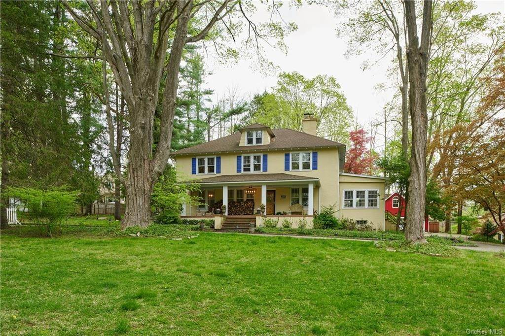 Single Family Home pour l Vente à 143 Armonk Road Mount Kisco, New York, 10549 États-Unis