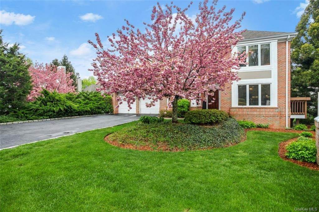 Single Family Home for Sale at 5 Stone Falls Court Rye Brook, New York, 10573 United States