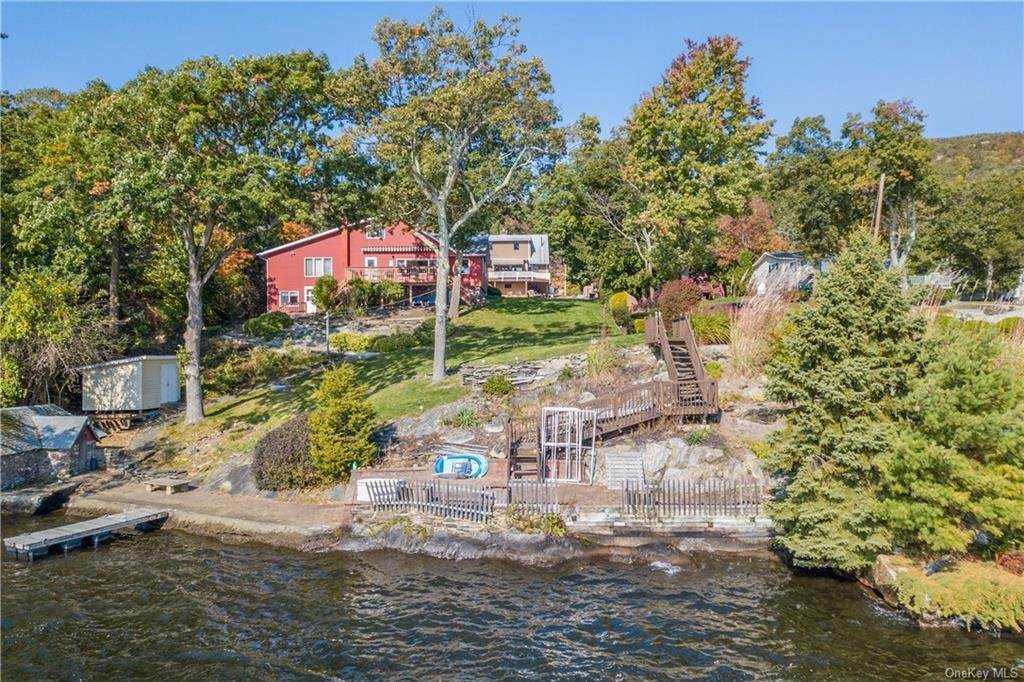 Single Family Home for Sale at 200 Jersey Avenue Greenwood Lake, New York, 10925 United States