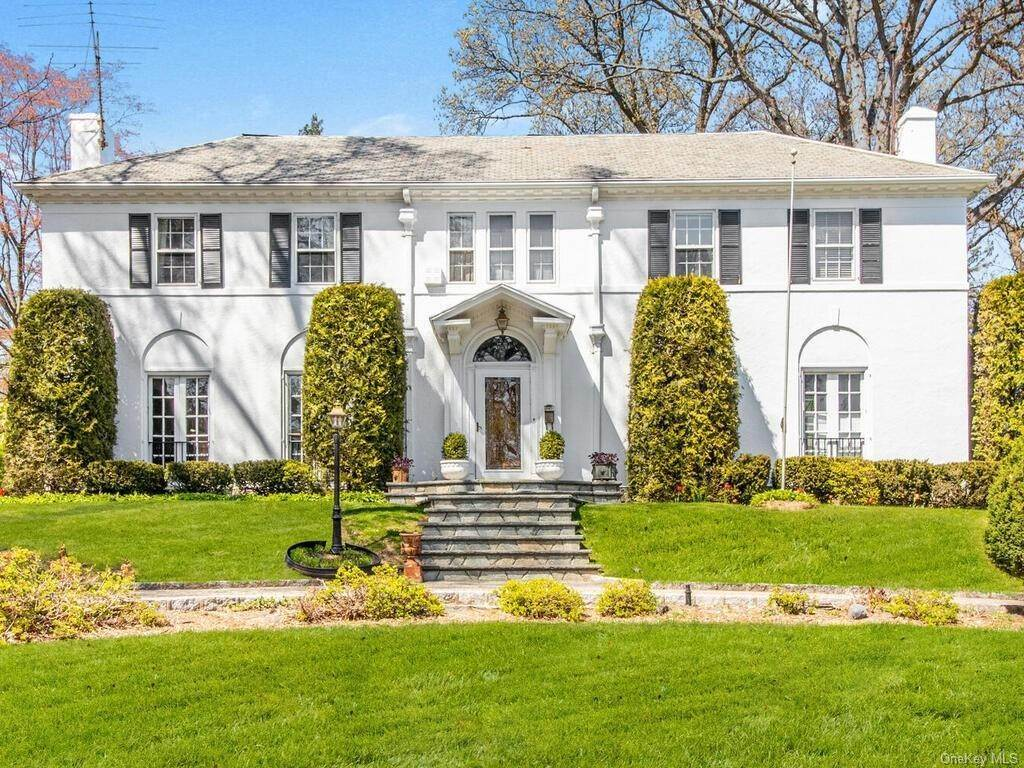Single Family Home for Sale at 62 Cortlandt Avenue New Rochelle, New York, 10801 United States