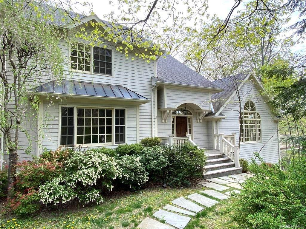 Single Family Home for Sale at 5 Lookout Stable Road Tuxedo Park, New York, 10987 United States