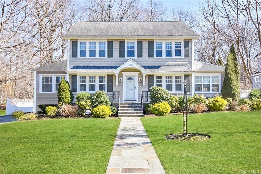 Single Family Home for Sale at 1326 Bolton Road Pelham, New York, 10803 United States
