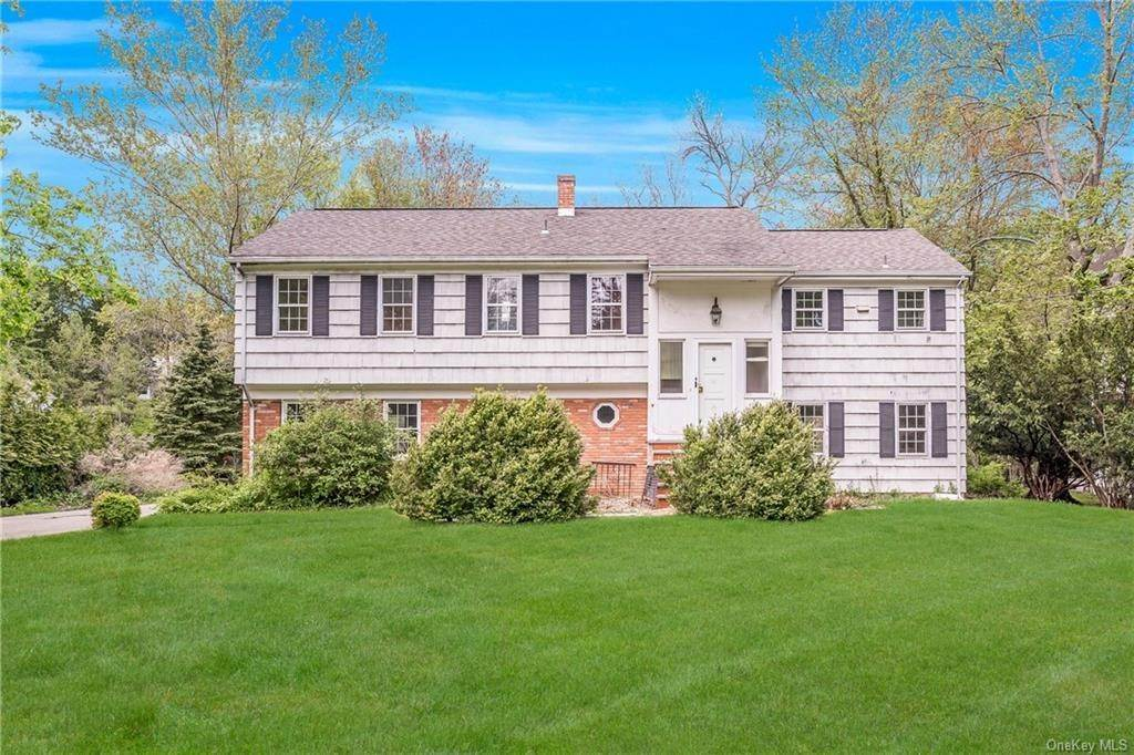 Single Family Home por un Venta en 13 Loch Lane Rye Brook, Nueva York, 10573 Estados Unidos