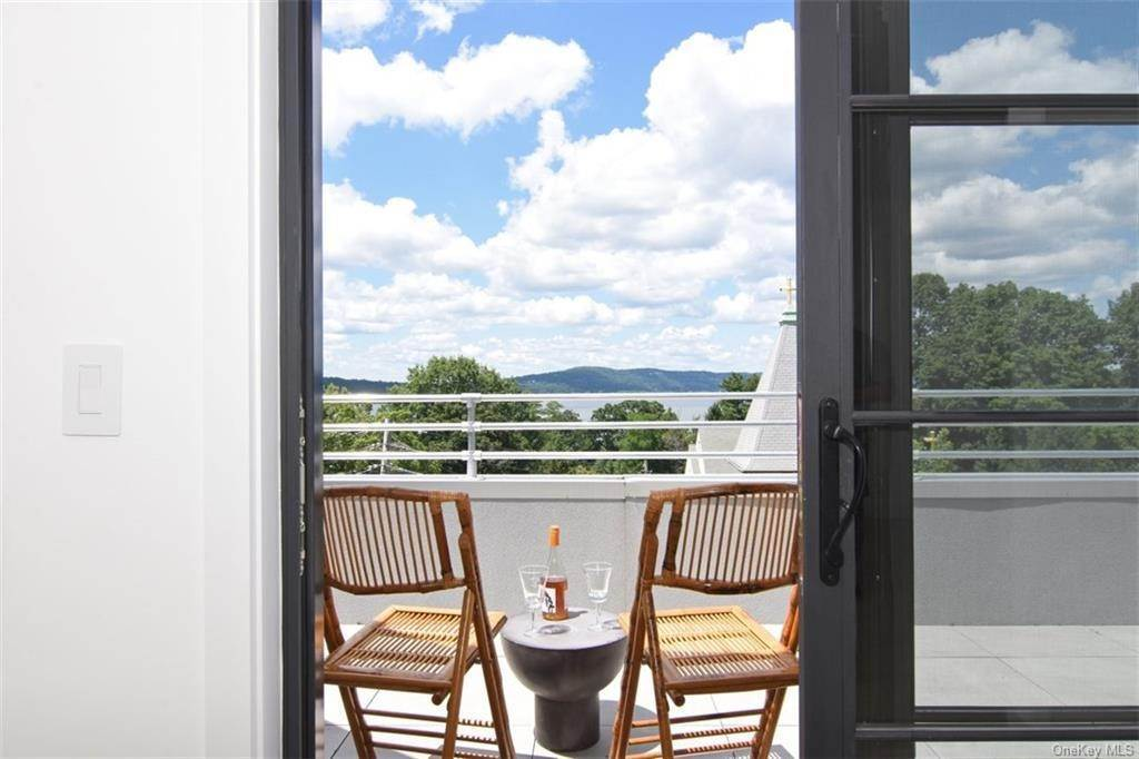 Single Family Home for Sale at 50 Chestnut Street Dobbs Ferry, New York, 10522 United States